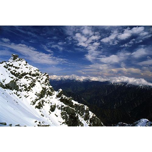 新雪の雄山