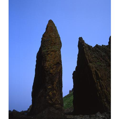 そそり立つ地蔵岩