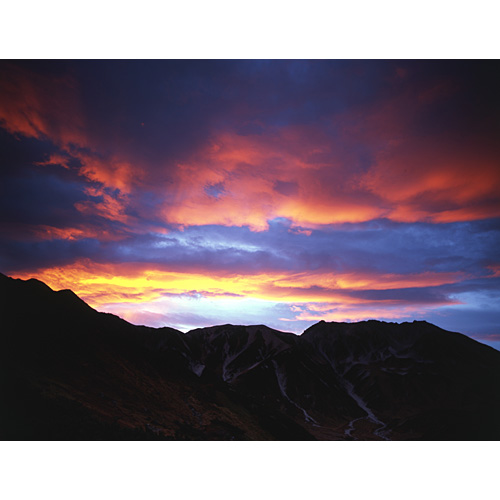 立山の朝焼け